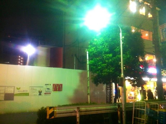 京橋のマクド横