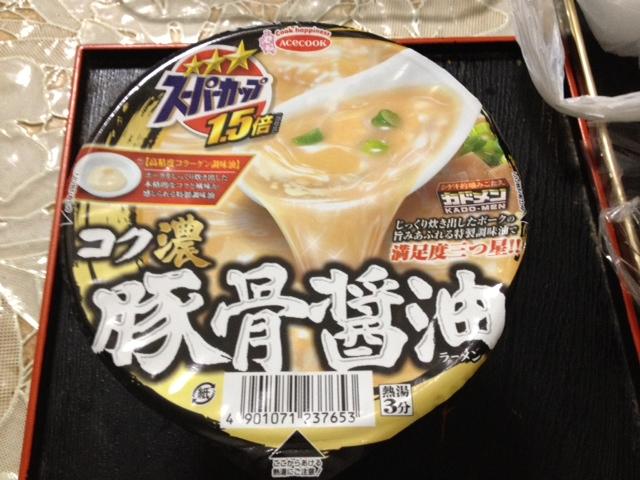 スーパーカップ コク濃豚骨醤油